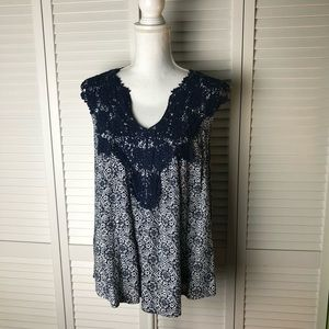 NEW Solitaire Crochet on Print Blue Top Small